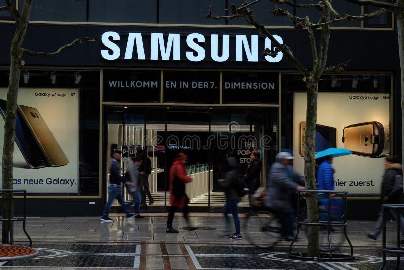 Λογότυπο καταστημάτων της Samsung στη Φρανκφούρτη στοκ φωτογραφία με δικαίωμα ελεύθερης χρήσης