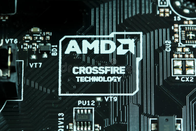 Λογότυπο τεχνολογίας διασταυρούμενων πυρών AMD σε μια μητρική κάρτα στοκ εικόνα με δικαίωμα ελεύθερης χρήσης