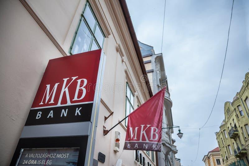 Λογότυπο τράπεζας MKB στο κύριο γραφείο τους για Szeged στο κέντρο πόλεων MKB είναι μια από τις μεγαλύτερες τράπεζες domestics τη στοκ φωτογραφία με δικαίωμα ελεύθερης χρήσης
