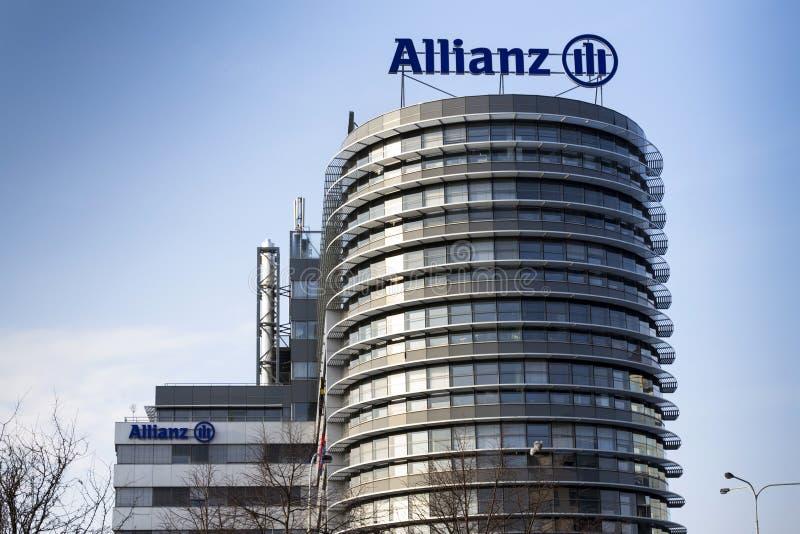 Λογότυπο Allianz οικονομικής και ασφαλιστικής ομάδας στην οικοδόμηση της τσεχικής έδρας Allianz στοκ φωτογραφίες