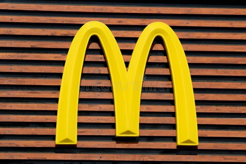 Λογότυπο Mc Donald's στοκ φωτογραφίες με δικαίωμα ελεύθερης χρήσης
