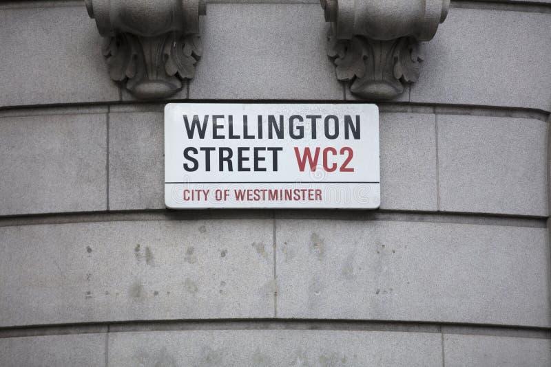 Λονδίνο, Ηνωμένο Βασίλειο, στις 7 Φεβρουαρίου 2019, σημάδι για τον Ουέλλινγκτον ST στοκ φωτογραφία με δικαίωμα ελεύθερης χρήσης