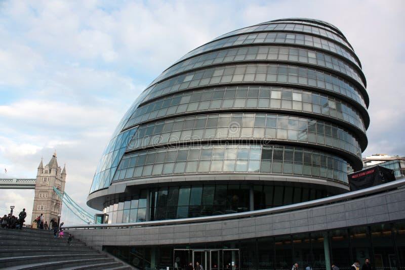 Λονδίνο, Ηνωμένο Βασίλειο - το Σεπτέμβριο του 2017: άποψη του Δημαρχείου του Λονδίνου κατά τη διάρκεια της ανοικτής ημέρας στοκ εικόνες