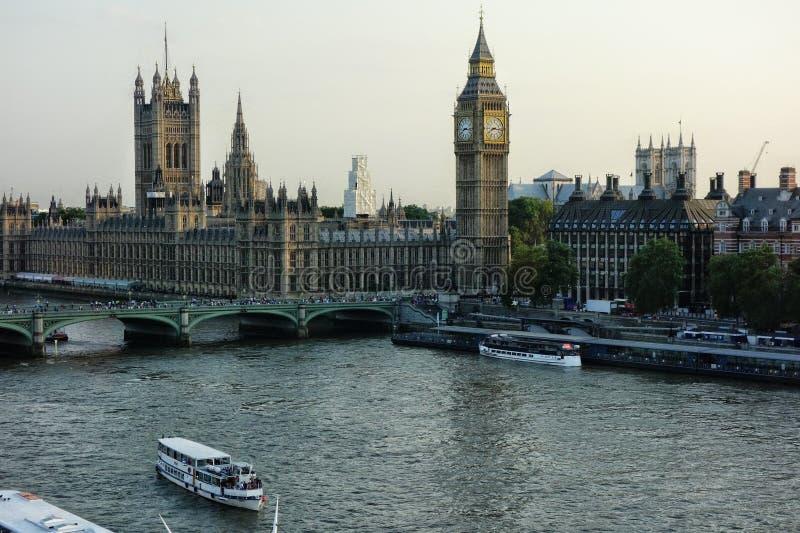 Λονδίνο και Τάμεσης από το μάτι στοκ εικόνα