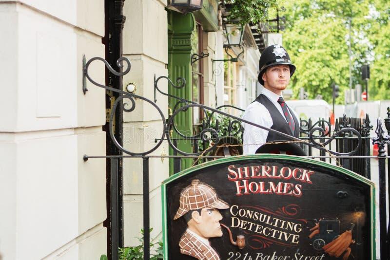 ΛΟΝΔΙΝΟ - 24 ΑΥΓΟΎΣΤΟΥ 2017: Το μουσείο Sherlock Holmes βρίσκεται στοκ εικόνες με δικαίωμα ελεύθερης χρήσης