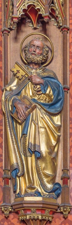 ΛΟΝΔΙΝΟ, ΜΕΓΑΛΗ ΒΡΕΤΑΝΊΑ, 2017: Το χαρασμένο άγαλμα του ST Peter ο απόστολος στην εκκλησία ST Barnabas που σχεδιάζεται από τον αγ στοκ φωτογραφίες με δικαίωμα ελεύθερης χρήσης