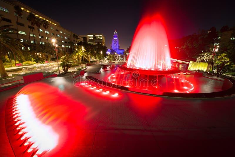Λος Άντζελες Δημαρχείο όπως βλέπει από το μεγάλο πάρκο στοκ φωτογραφία