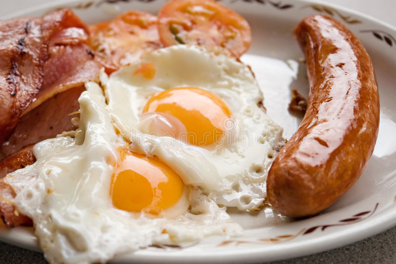 λουκάνικο αυγών προγε&upsil στοκ φωτογραφία