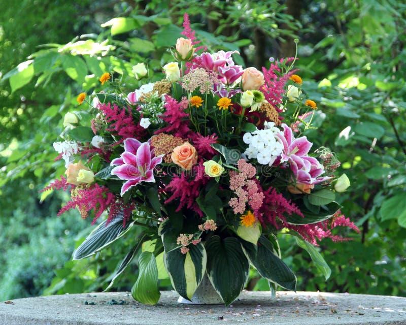 λουλούδια δεσμών στοκ εικόνες