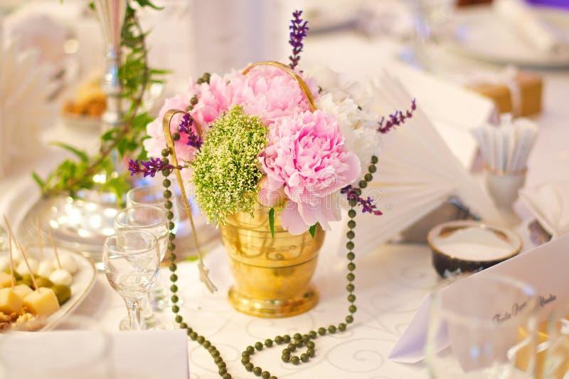 Λουλούδια μορίων φλυτζανιών τσαγιού στοκ φωτογραφίες με δικαίωμα ελεύθερης χρήσης