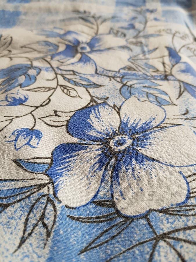 Λουλούδια στο duvet στοκ φωτογραφία με δικαίωμα ελεύθερης χρήσης