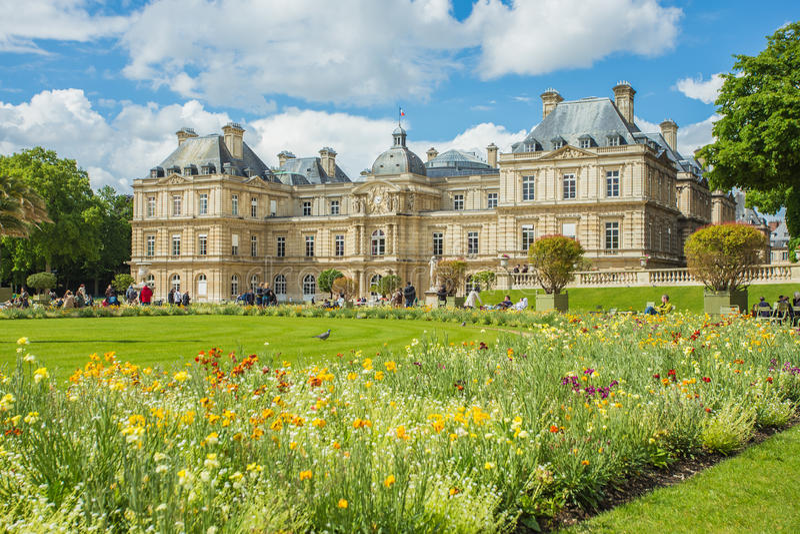 Λουξεμβούργιος κήπος (Jardin du Λουξεμβούργο) στο Παρίσι, Γαλλία στοκ φωτογραφία με δικαίωμα ελεύθερης χρήσης