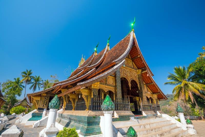 Λουρί Xieng Wat, ο δημοφιλέστερος ναός στο κτύπημα Luang Pra στοκ φωτογραφία με δικαίωμα ελεύθερης χρήσης