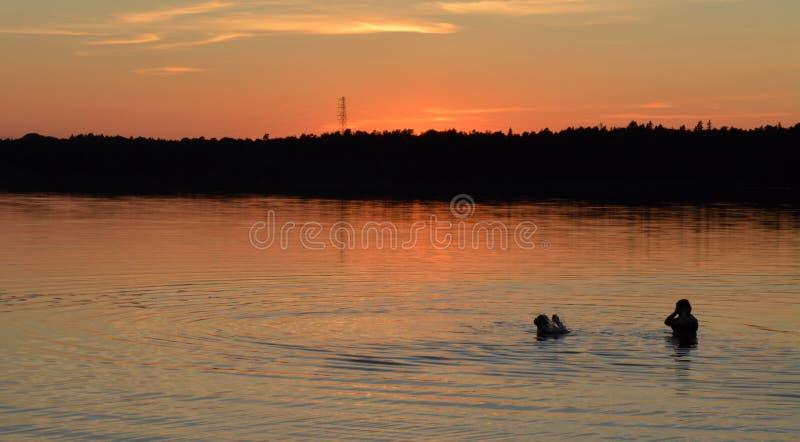 Λουτρό ηλιοβασιλέματος στοκ φωτογραφία με δικαίωμα ελεύθερης χρήσης