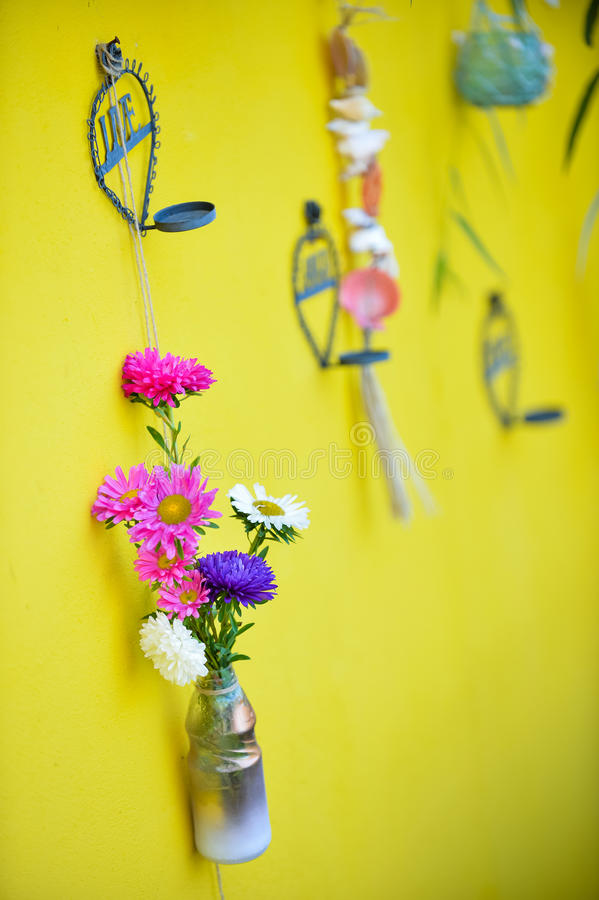 Λουλούδι στη διακόσμηση μπουκαλιών στοκ φωτογραφία