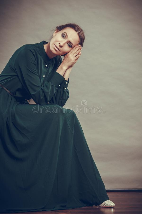 Λυπημένο πορτρέτο ύφους γυναικών αναδρομικό στοκ εικόνες
