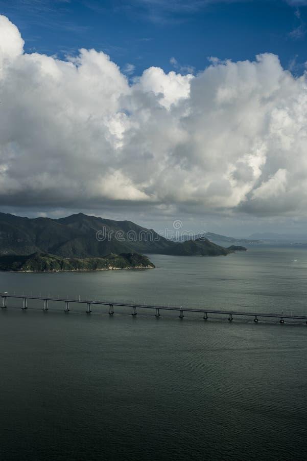 Λόφοι και θάλασσα του Χονγκ Κονγκ στοκ εικόνα