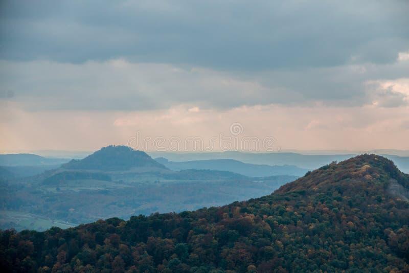 Λόφοι φθινοπώρου στοκ φωτογραφία