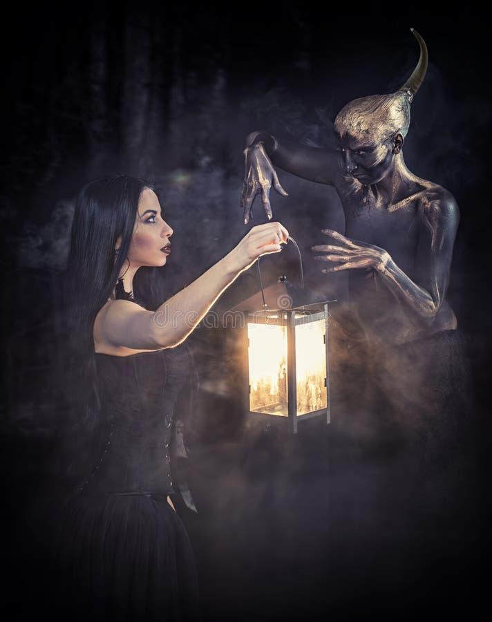 Μάγισσα και αυτή εξοικειωμένες στοκ φωτογραφία με δικαίωμα ελεύθερης χρήσης