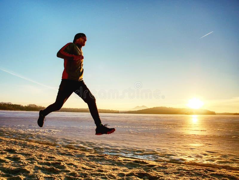 Μάθημα χειμερινού αθλητισμού Ενεργός κατάρτιση ανθρώπων ικανότητας που οργανώνεται έξω στοκ φωτογραφίες με δικαίωμα ελεύθερης χρήσης