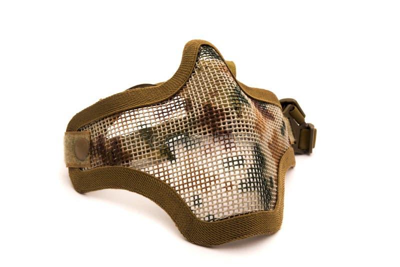 Μάσκα πλέγματος μετάλλων Airsoft, προστασία ασφάλειας προσώπου από το αθλητικό παιχνίδι πυροβολισμού στο άσπρο υπόβαθρο στοκ φωτογραφία
