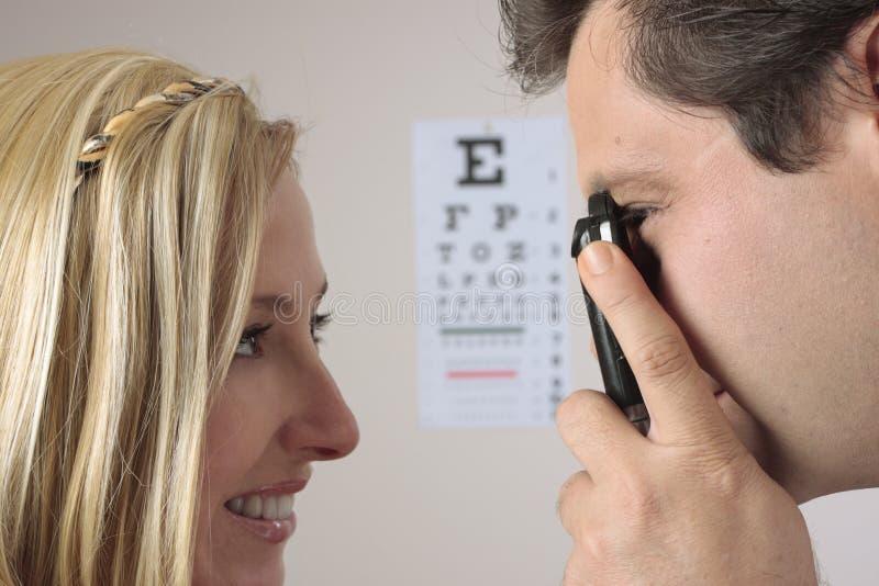 μάτι εξέτασης στοκ φωτογραφία
