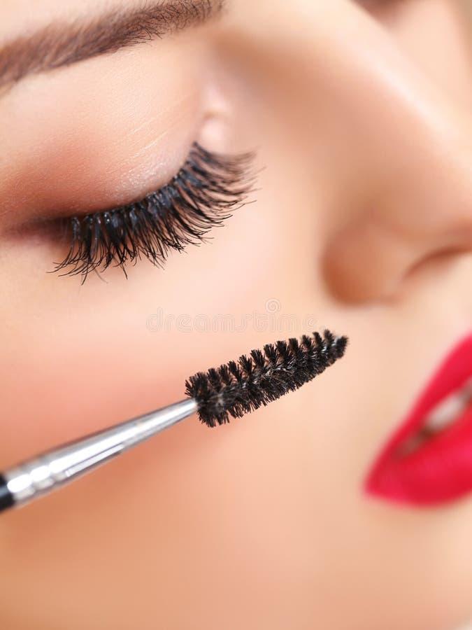 Μάτι με το όμορφο makeup και τα μακροχρόνια eyelashes. στοκ εικόνες με δικαίωμα ελεύθερης χρήσης