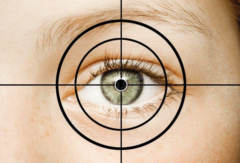 Μάτι σε Crosshair στοκ εικόνες