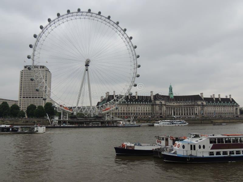 Μάτι του Λονδίνου - πόλη του Λονδίνου στοκ φωτογραφία με δικαίωμα ελεύθερης χρήσης