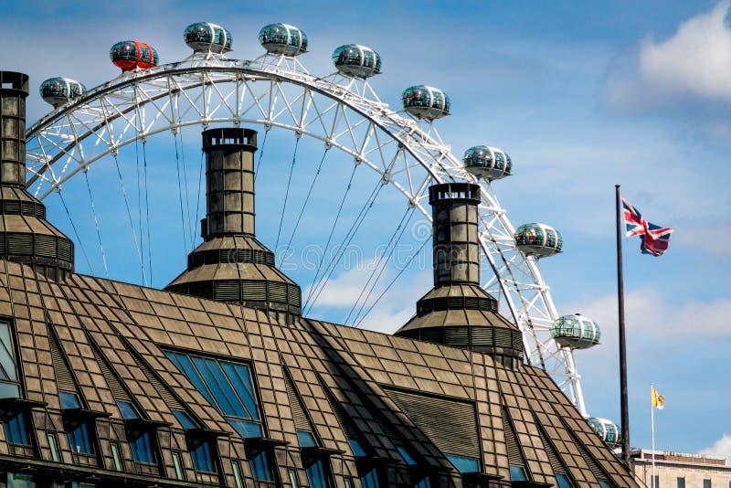 Μάτι του Λονδίνου από μακριά στοκ εικόνα με δικαίωμα ελεύθερης χρήσης