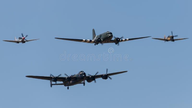 Μάχη πτήσης, του Λάνκαστερ, Spitfires και DC3 της Μεγάλης Βρετανίας της αναμνηστικής στοκ φωτογραφίες με δικαίωμα ελεύθερης χρήσης