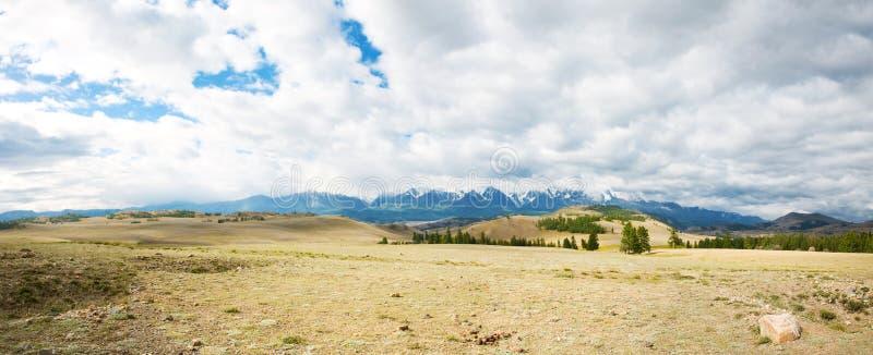 μέγιστος χιονώδης βουνών στοκ εικόνα
