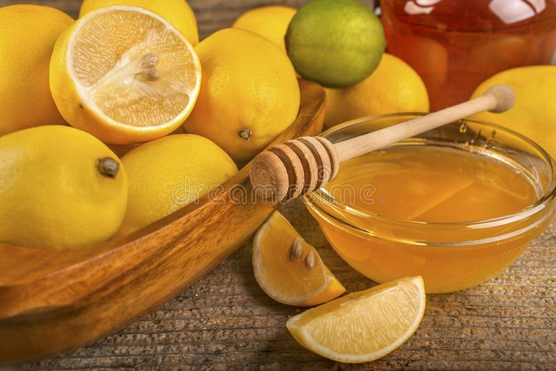 Μέλι, λεμόνια και ασβέστες στοκ φωτογραφία με δικαίωμα ελεύθερης χρήσης