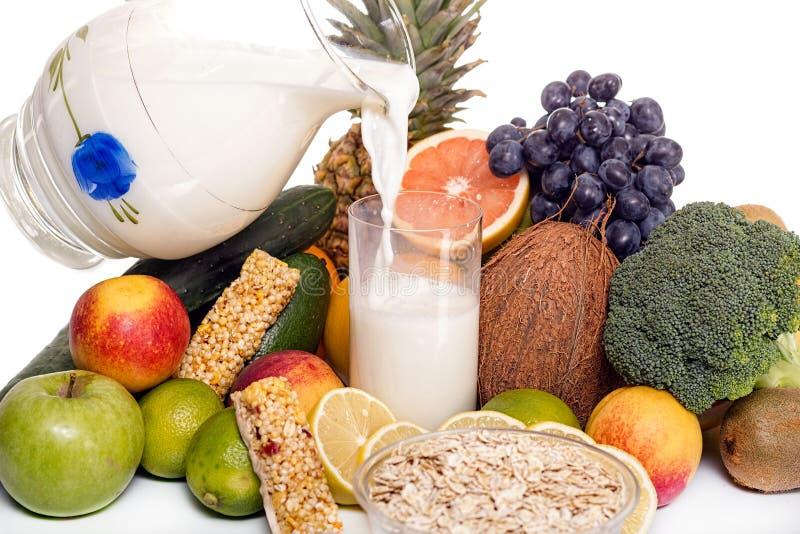 Μέρη των φρέσκων φρούτων και λαχανικών στοκ φωτογραφία με δικαίωμα ελεύθερης χρήσης