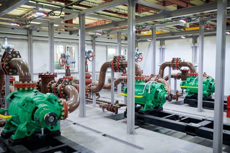 Μέρη υδραυλικών στο εργοστάσιο στοκ εικόνες