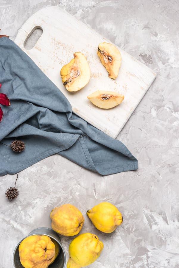 Μέρη φρούτων κυδωνιών στοκ φωτογραφίες με δικαίωμα ελεύθερης χρήσης
