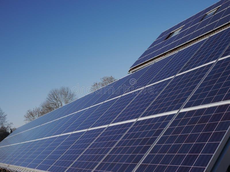 Μέρος της ηλεκτρικής ενέργειας ηλιακών πλαισίων στοκ εικόνα με δικαίωμα ελεύθερης χρήσης