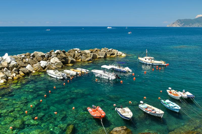 Μέρος των μικρών βαρκών στο λιμάνι Riomaggiore σε Cinque Terre στοκ φωτογραφίες με δικαίωμα ελεύθερης χρήσης