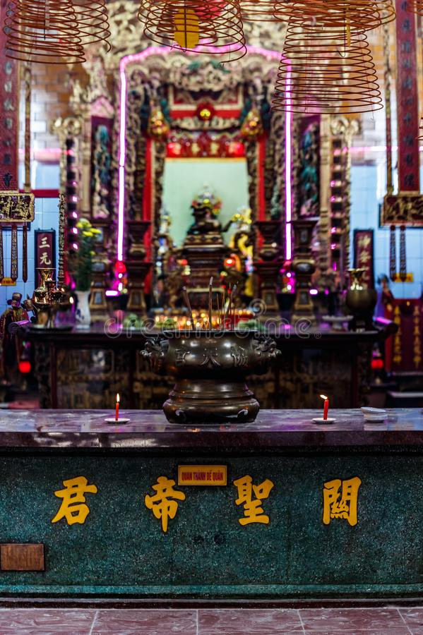 Μέσα σε έναν κινεζικό ναό, αποβάθρα Ninh Kieu, Cantho, Mekong δέλτα στοκ εικόνες