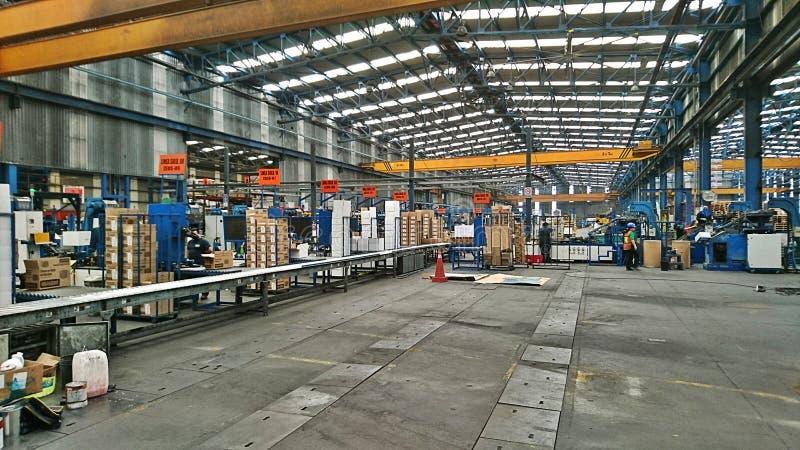 Μέσα σε ένα εργοστάσιο στοκ φωτογραφία