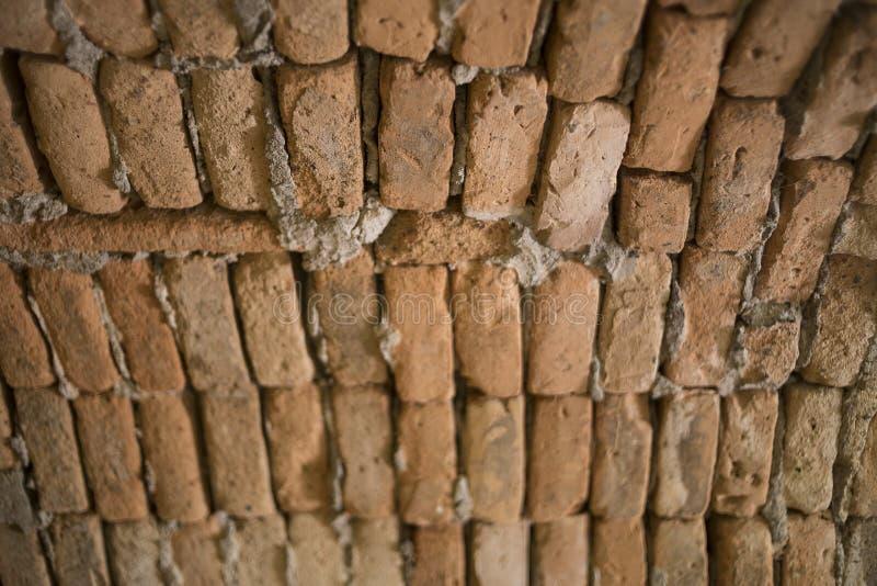 Μέσα στη στέγη σηράγγων που χτίζεται με το πορτοκαλί τούβλο στοκ φωτογραφίες με δικαίωμα ελεύθερης χρήσης