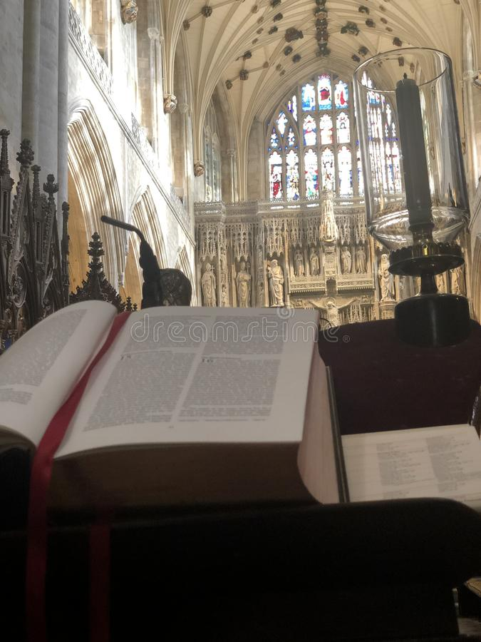 Μέσα στον καθεδρικό ναό του Winchester στοκ φωτογραφία