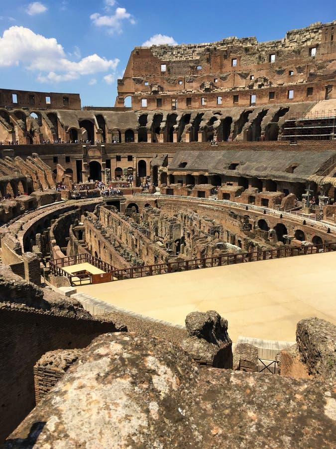 Μέσα στο Colosseum στοκ φωτογραφίες