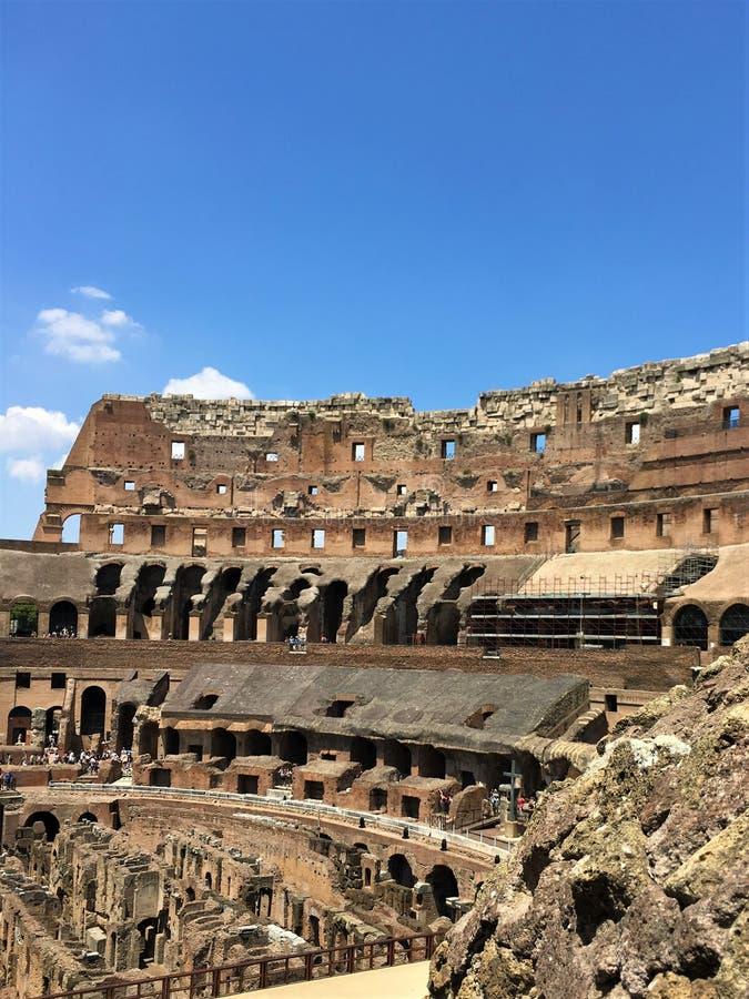 Μέσα στο Colosseum στοκ φωτογραφία με δικαίωμα ελεύθερης χρήσης