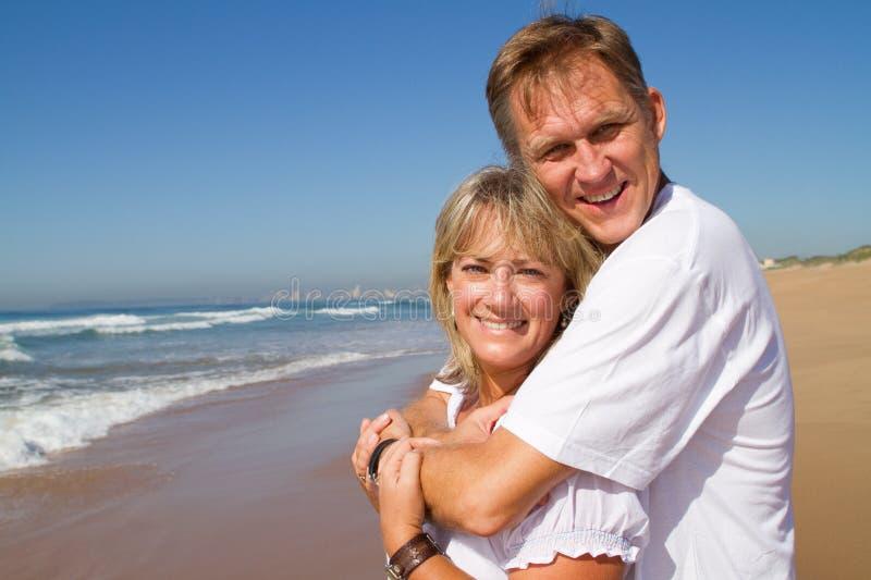 Μέσο ζεύγος ηλικίας στοκ φωτογραφία με δικαίωμα ελεύθερης χρήσης