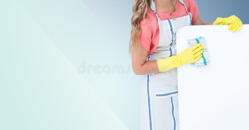 Μέσο τμήμα του καθαρίζοντας τοίχου γυναικών στοκ φωτογραφία με δικαίωμα ελεύθερης χρήσης