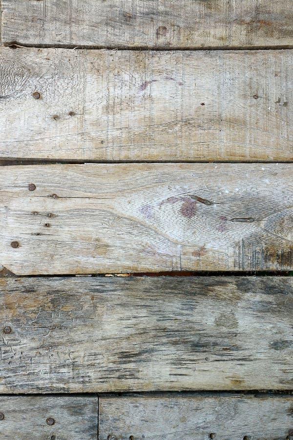 Μέσω της χρήσης ενός παλαιού κομματιού του ξύλου για πολλά χρόνια στοκ εικόνα