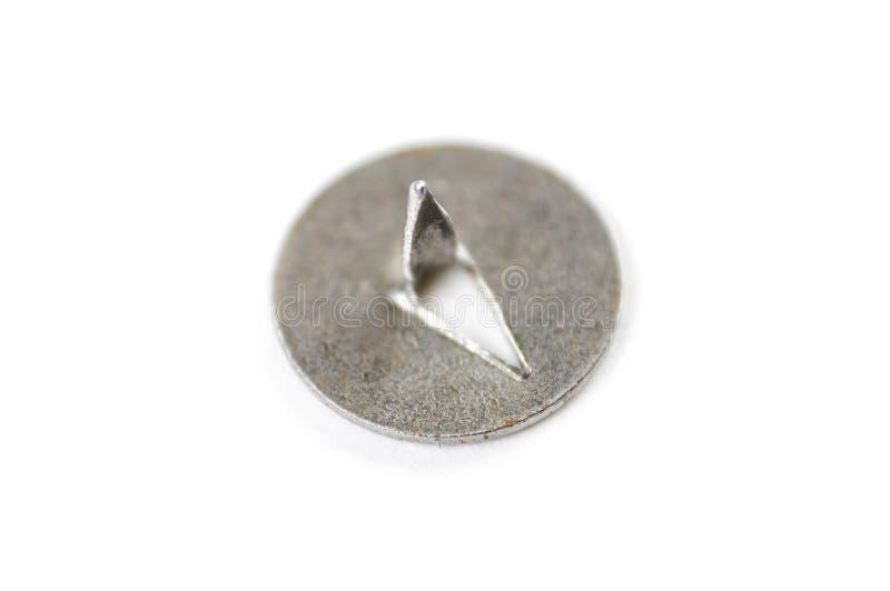 Μέταλλο pushpin σε ένα άσπρο υπόβαθρο closeup στοκ φωτογραφίες με δικαίωμα ελεύθερης χρήσης