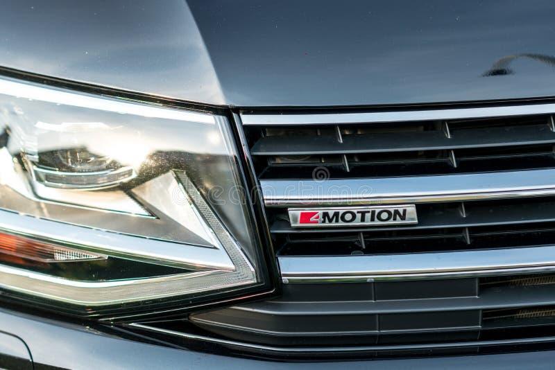 Μέτωπο αυτοκινήτων κινήσεων του Volkswagen ` s 4 στοκ φωτογραφία