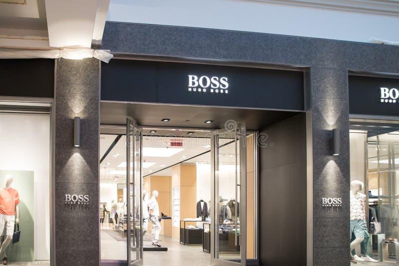 Μέτωπο καταστημάτων της Hugo Boss στη Φιλαδέλφεια Αγορές εβδομάδας μόδας στοκ εικόνες